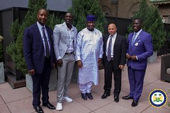 Akon Thiam has promised to provide 5,000 solar street lights and 2,500 traffic lights to support President Bio's new direction agenda in #SierraLeone
