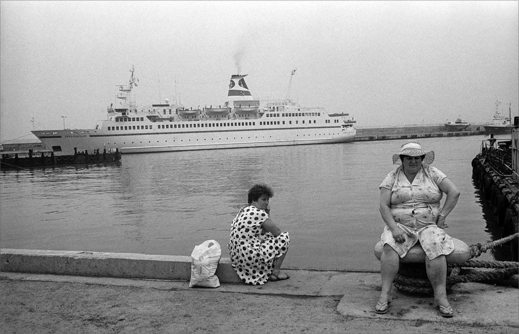 1989. Женщины на набережной. Ялта