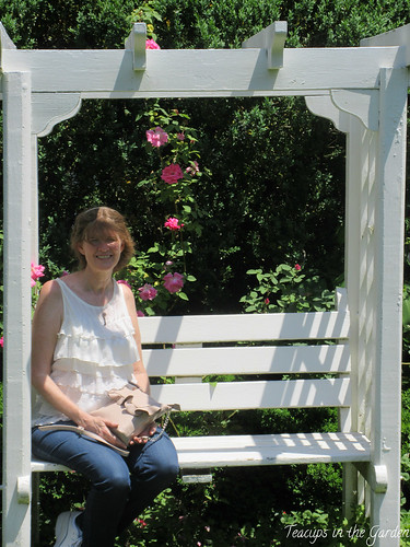 25-Tuckahoe Plantation with me on a bench