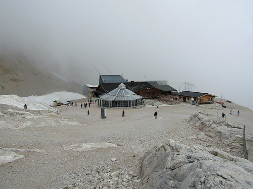 view of restaurants close to Schneeferner Glacier on Zugspitze