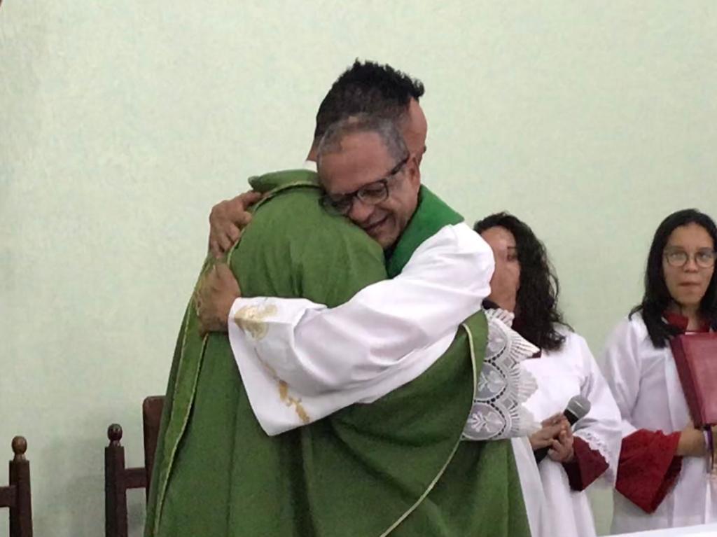 Padre Edson Roberto completa uma década de sacerdócio