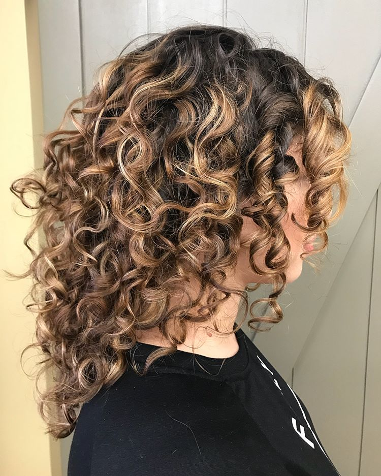 Best Haircuts For Curly Hair 2019 That Stand Out 4