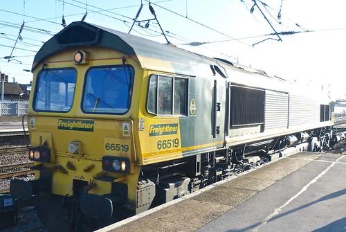 Class 66 'Freightliner' No 66519. Diesel Electric locomotive built by 'EMD' (part of General Motors) in the USA on 'Dennis Basford's railsroadsrunways.blogspot.co.uk'