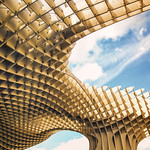 12. Mai 2018 - 11:02 - This rather strange but beautiful structure, sitting in the middle of Sevilla, Spain.  Facebook - Twitter