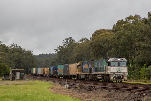 Pacific National NR Class 85/21 lead 1BS3 passing Kundabung