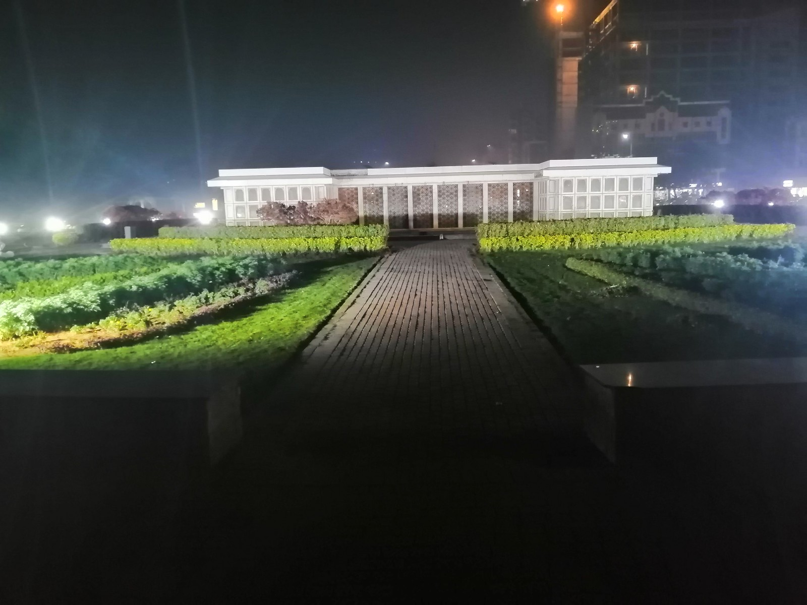 Image at Night with AI Mode on Honor 8X