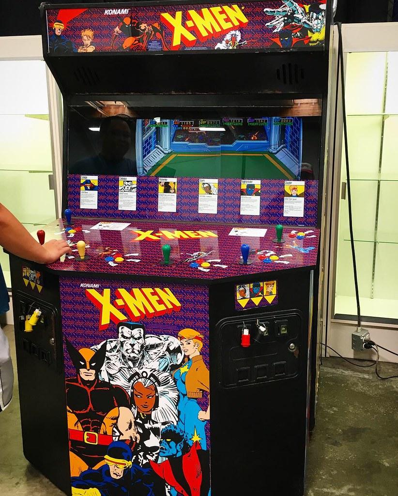 X Men Arcade And Pac Man Capsule Machine Xmen Konami M Flickr