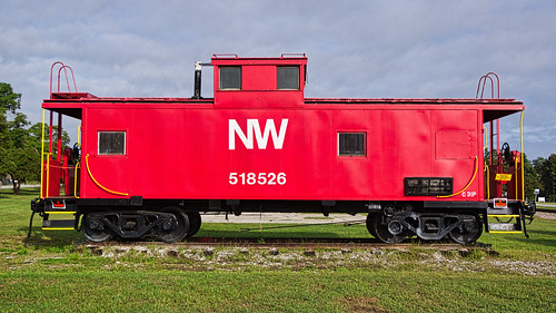 NW 518526 caboose - 2