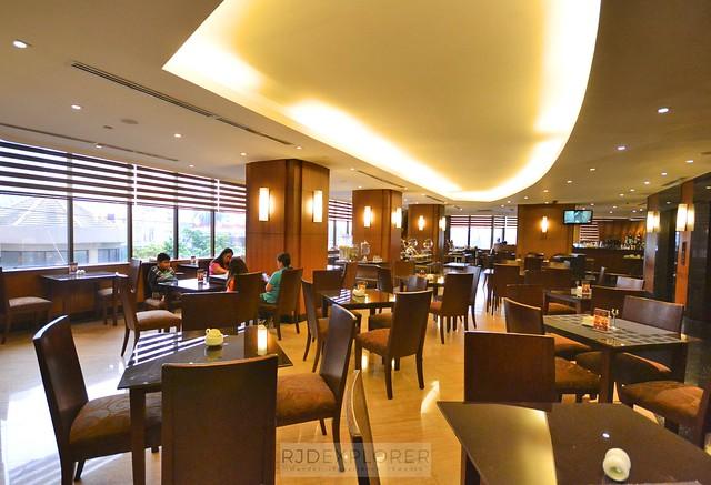 city garden hotel makati bistro