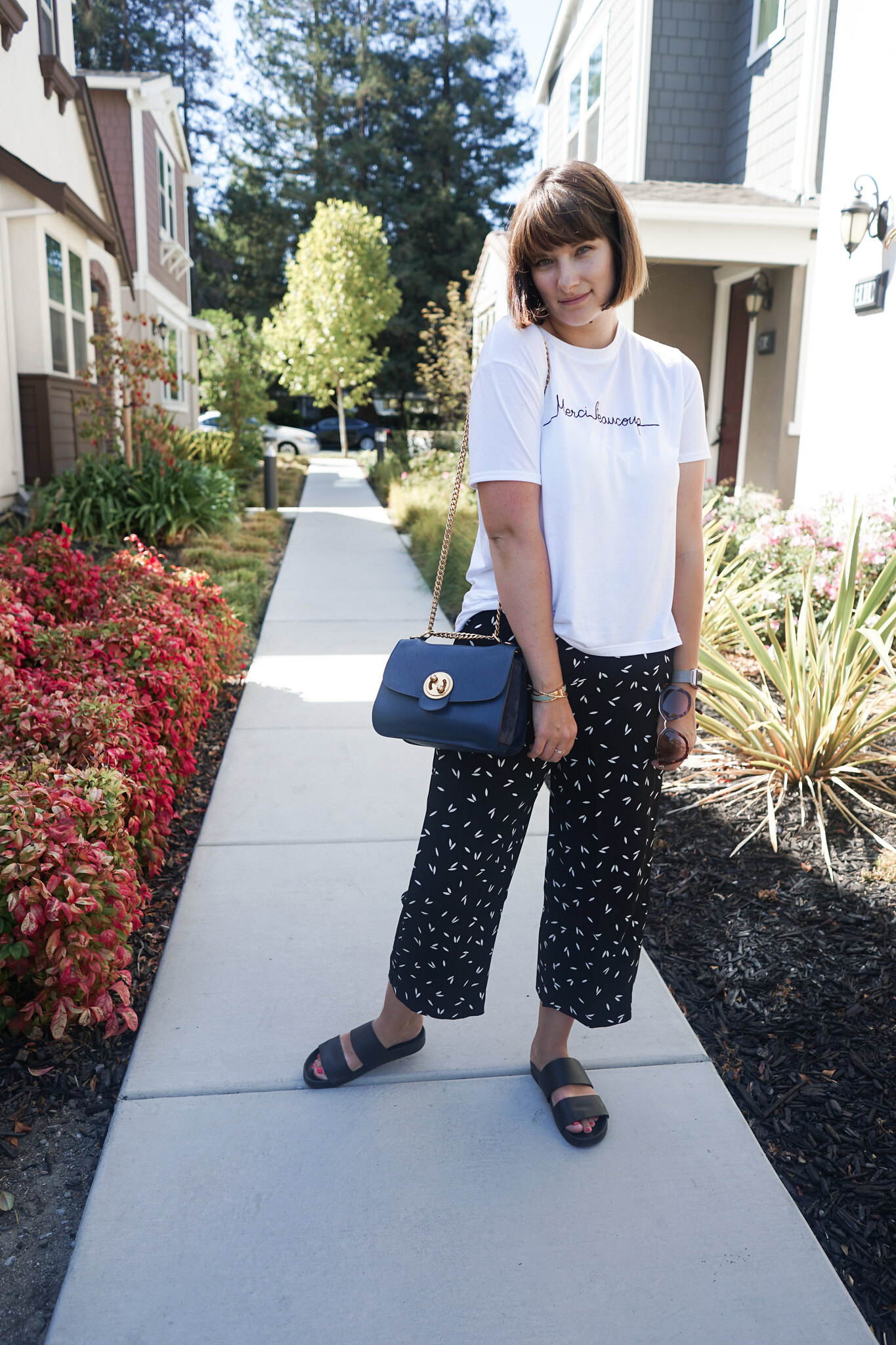 Whistles, slogan t-shirt, wide leg pants, fall fashion, OOTD, black and white, mom blog, mommy blogger, mom style, hughstreet fashion