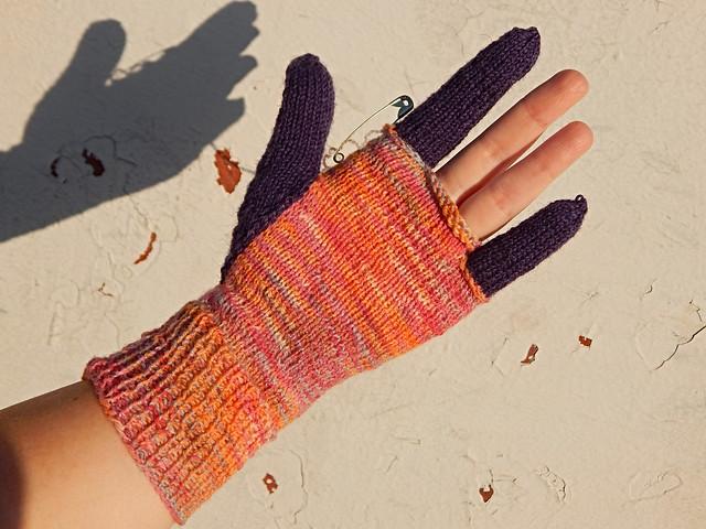 Перчатка с тремя пальцами и третий рассказ про машину времени | HoroshoGromko.ru