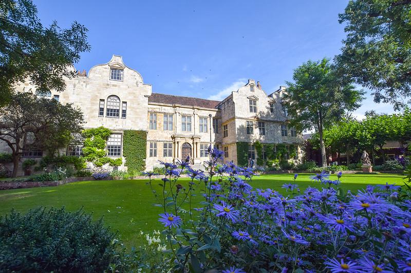 York - Treasurer's House gardens - free to visit