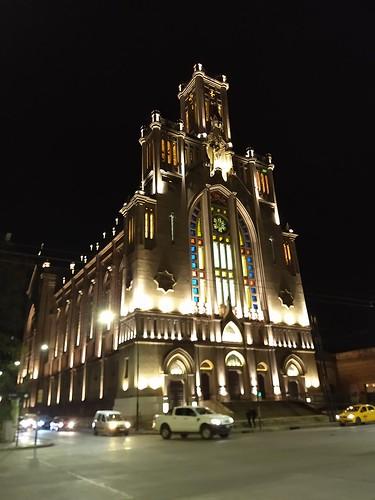 Iglesia María Auxiliadora, Córdoba Voy a tener que ir con la cámara grande...