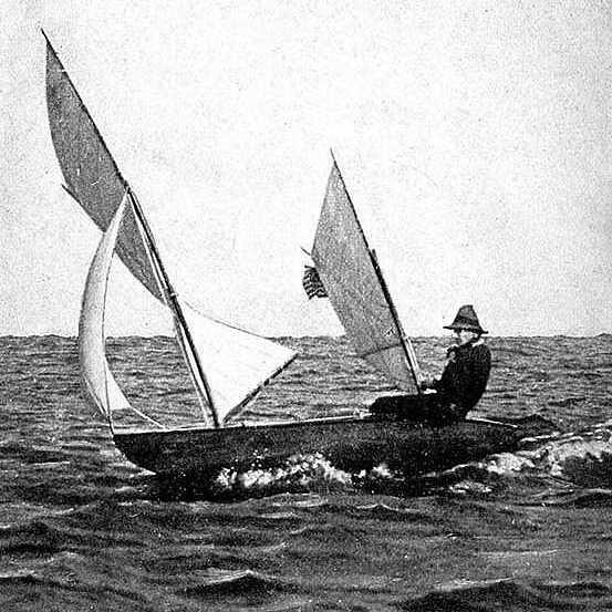Batwing canoe