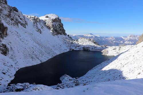 Le Lac du Crozet (1 986 m) et la Chartreuse en arrière plan