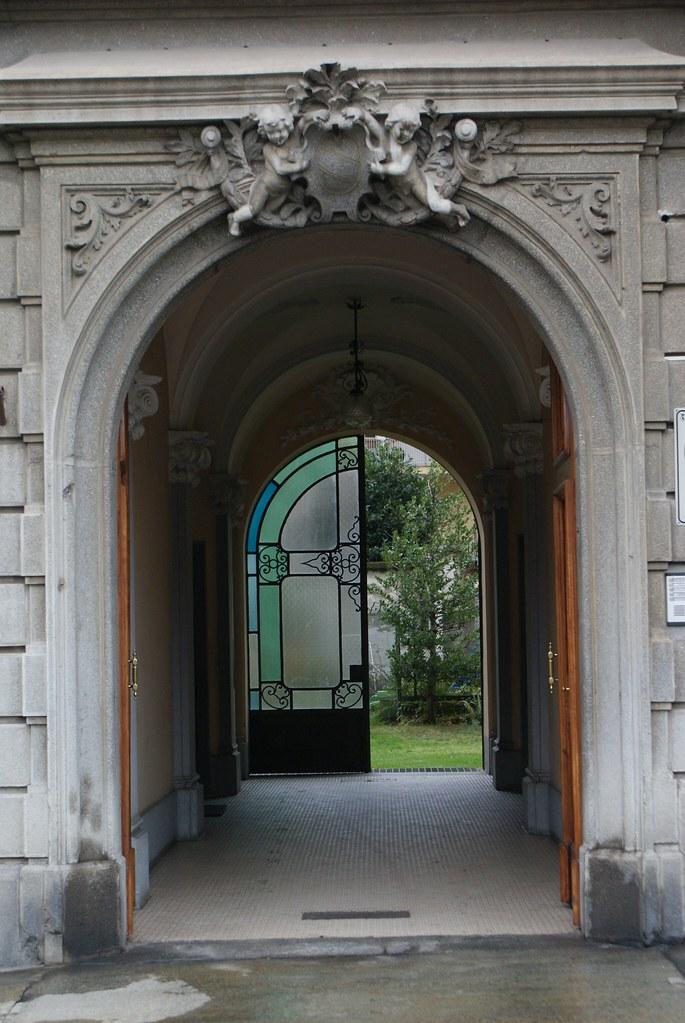 Bel entrée du quartier de Borgo Po à Turin.