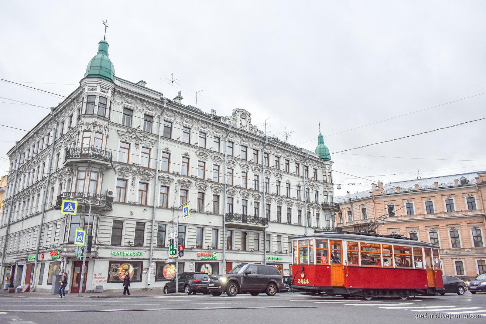 Петербург: плохие улицы, лошадиная сила и вода