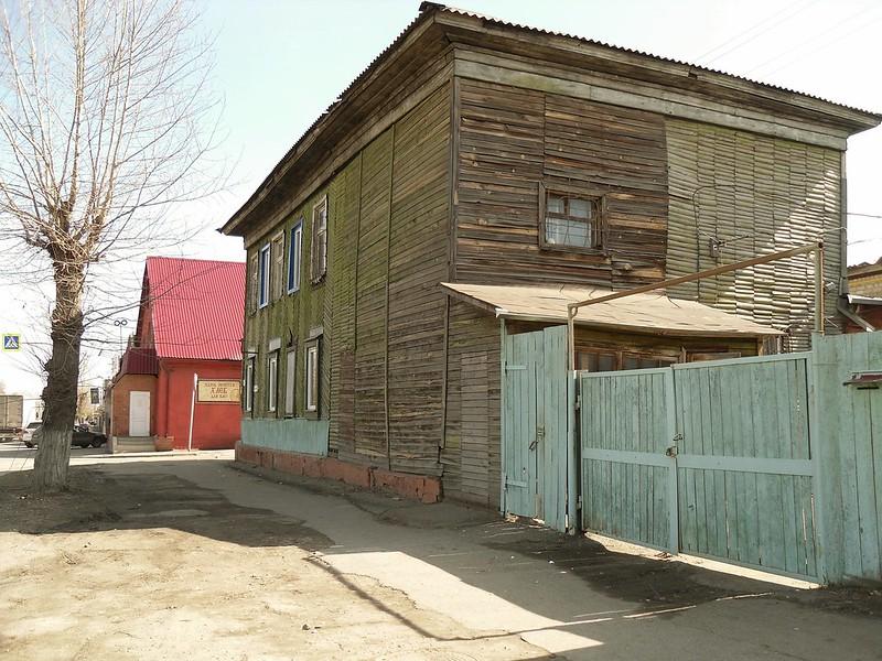 Барнаул, улица Аванесова № 99.