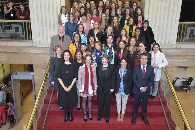 Mujeres como Catalizadoras del Crecimiento Inclusivo