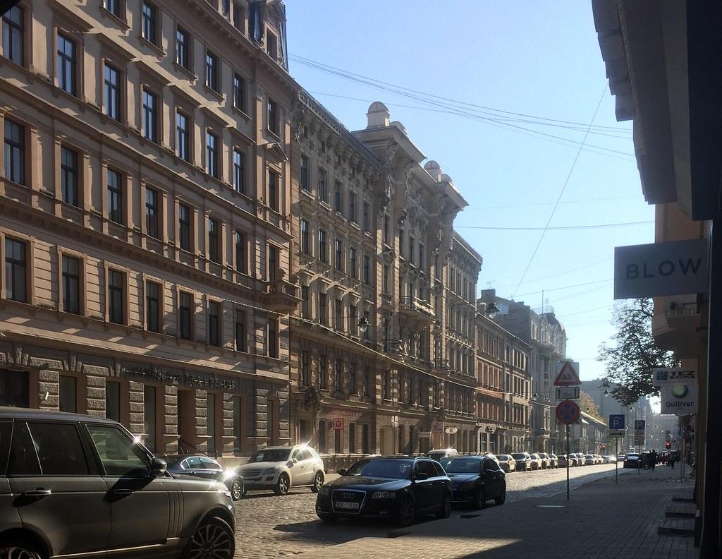 Fine street shot ! 11:32:27