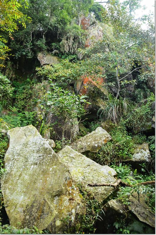 小林山登山步道大亂石區