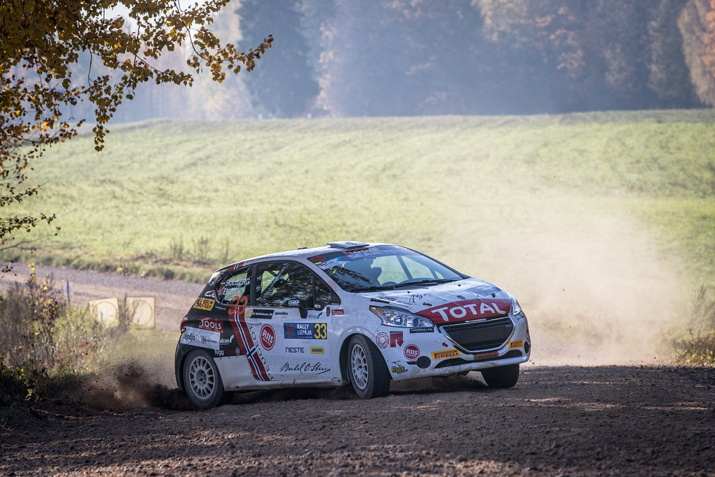33 SOLBERG Oliver, (LVA), Veronica ENGAN, (NOR), Sports Racing Technologies, Peugeot 208 R2, Action during the 2018 European Rally Championship ERC Liepaja rally,  from october 12 to 14, at Liepaja, Lettonie - Photo Alexandre Guillaumot / DPPI