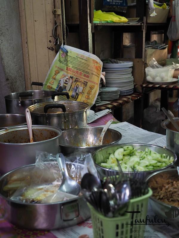 Taste Legendary Nasi Lemak Chow Kit Pasar (3)