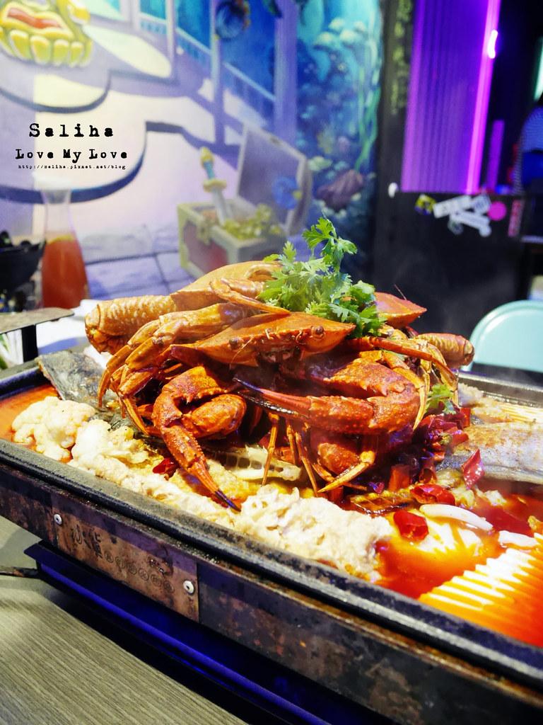 新北中和大份量好吃海鮮螃蟹火鍋餐廳推薦水貨炭火烤魚中和店 (6)