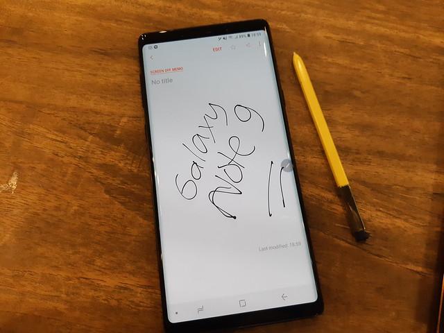Tulisan bisa diatur menjadi warna hitam saat disimpan Samsung Note (Liputan6.com/ Agustin Setyo W)