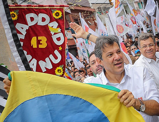 Haddad took part in the last campaign rally in the Heliópolis slums, in São Paulo - Créditos: Ricardo Stuckert