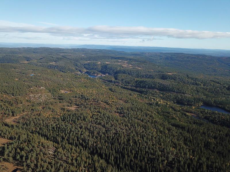23-Utsikt mot Vesle Nykjua fra Flagervann (drone)