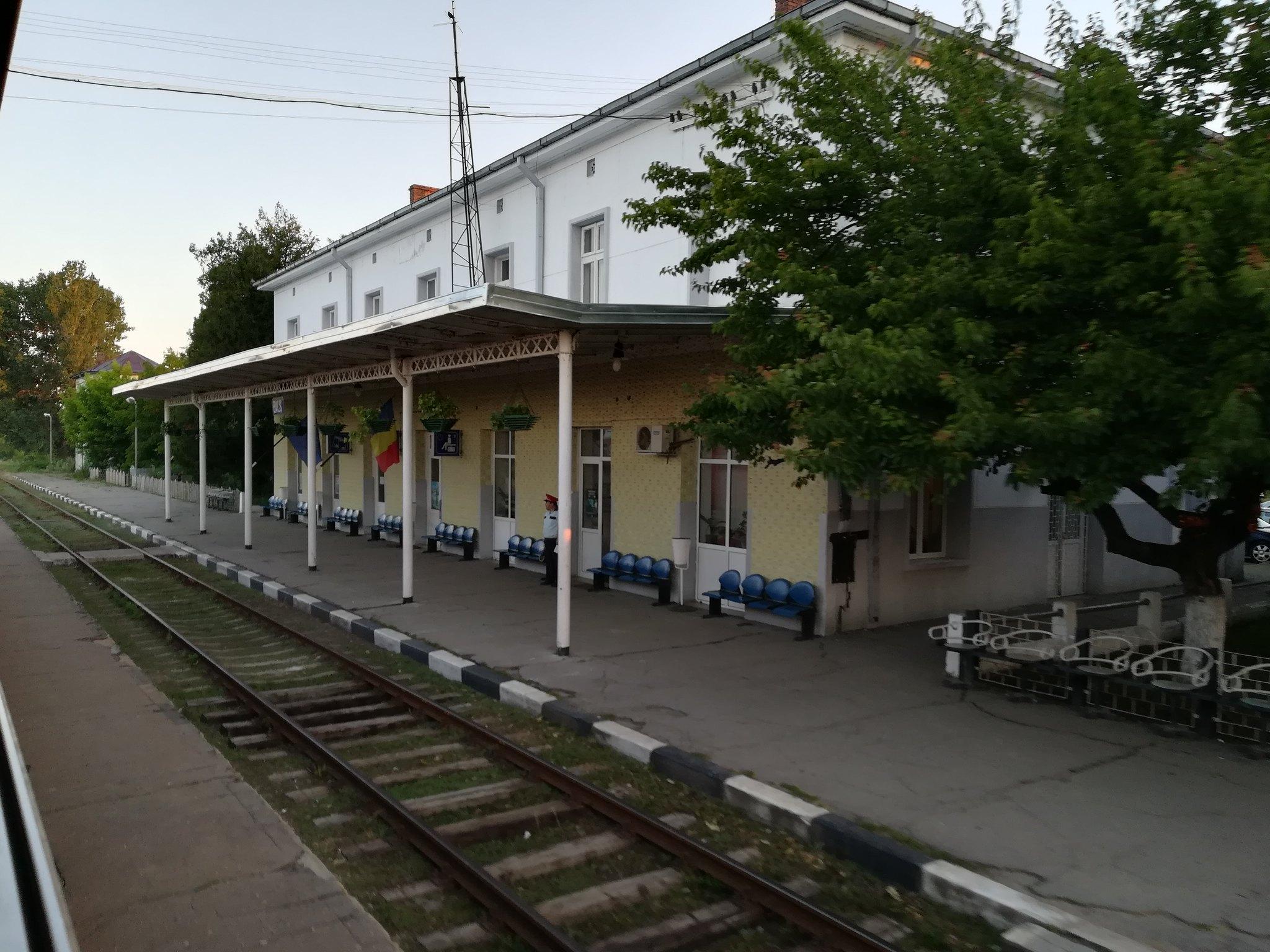 Reportaje feroviare Adirmvl - Pagina 15 44837192811_93969eccd9_k