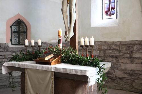 Questenberg, Kirche St. MariäGeburt, Altar, Sakramentsnische