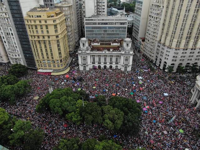 Ato teve início da Cinelândia, no Centro do Rio, e depois marchou até a Praça XV - Créditos: Francisco Proner