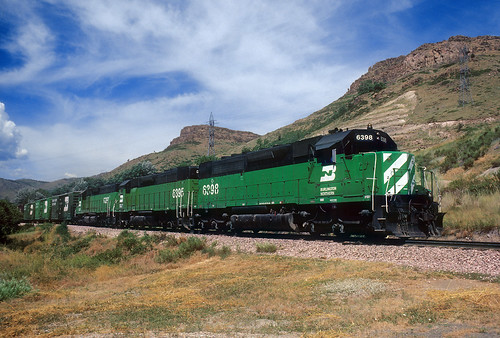 burlingtonnorthern bn emd sdp40 6398 beerrun beertrain golden colorado co northtablemountain coors