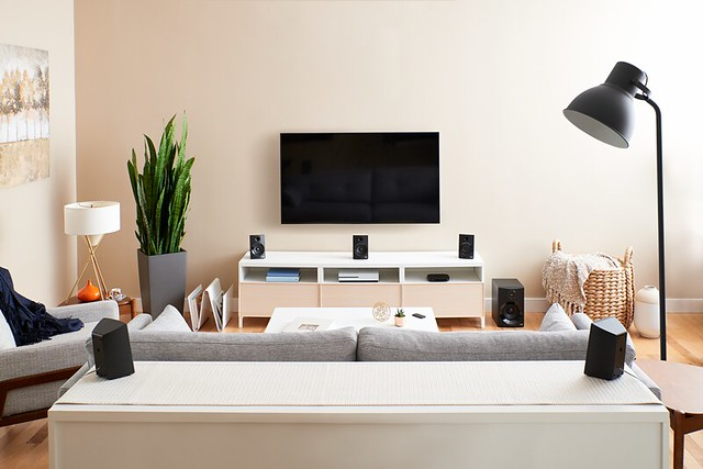 High_Resolution_PNG-Z607 Surround Sound With Bluetooth Living Room (1)