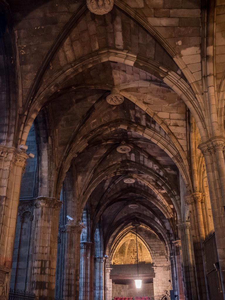 Le cloître de la cathédrale... 43838347880_bdde0e67a9_b