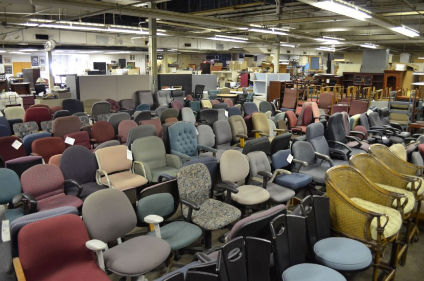 Pros and Cons of Buying Used Office Chairs - Image 3