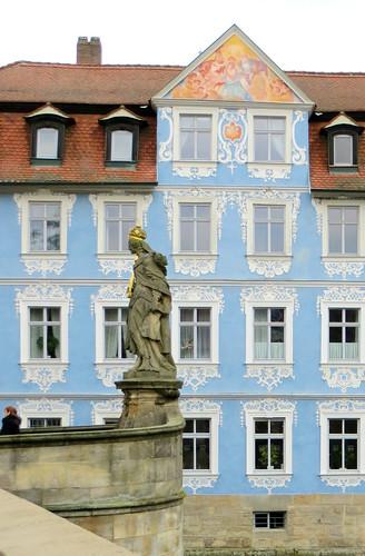 Hellerhaus and Queen Kunigundi  [explore]
