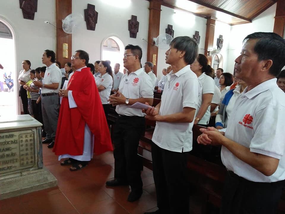 Giáo hạt Xóm Mới: Ban Caritas hành hương nhà thờ Mồ Tử Đạo - Giáo phận Bà Rịa