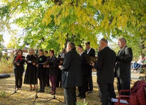 51 Modlitbou nás sprevádzal aj spevácky zbor Adoremus