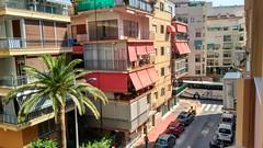 Vivienda en pleno centro de Benidorm, ideal para cualquier negocio. Solicite más información a su inmobiliaria de confianza en Benidorm  www.inmobiliariabenidorm.com