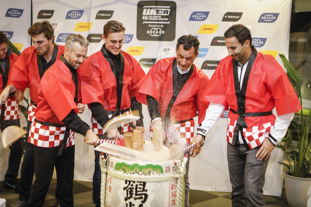 Sake ceremony RIBEIRO François, WTCR Eurosport Motorsport Director, portrait MONTEIRO Tiago, (prt), Honda Civic TCR team Boutsen Ginion racing, portrait BENNANI Mehdi (mar), Volkswagen Golf GTI TCR team Sebastien Loeb Racing, portrait CECCON Kevin (ITA), Alfa Romeo Giulietta TCR, Mulsanne Srl, portrait during the 2018 FIA WTCR World Touring Car cup of Japan, at Suzuka from october 26 to 28 - Photo Francois Flamand / DPPI