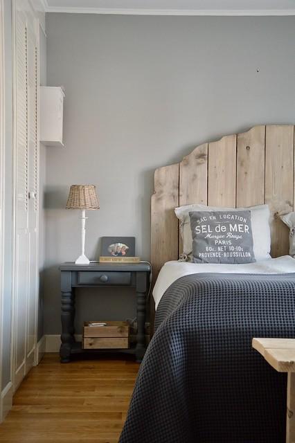 Louvredeuren hoofdbord steigerhout nachtkastje