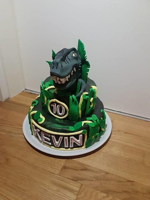 Cake by Jeannette Fellner
