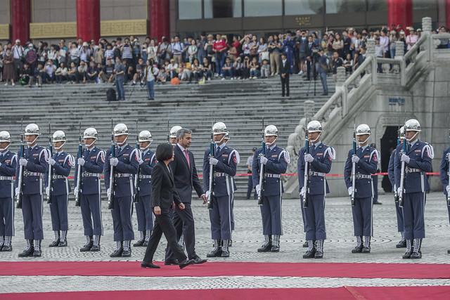 10.08 總統主持「軍禮歡迎巴拉圭共和國總統阿布鐸伉儷」, Canon EOS-1D X, Canon EF 100-400mm f/4.5-5.6L IS II USM