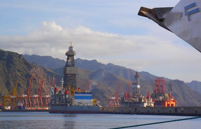 Santa cruz tenerife  crane port