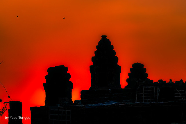 Bright Red Sunset over Phnom Bakheng Temple, Angkor, Cambodia-10a