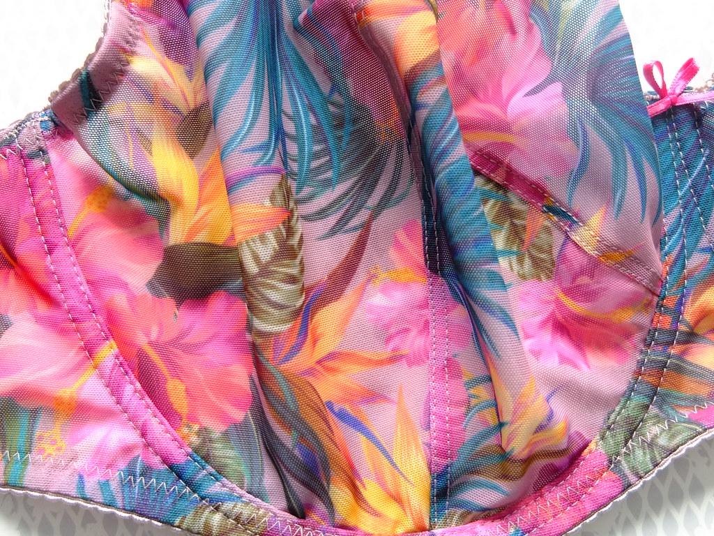 Gorteks cleo beżowy kwiatowy w kwiatki fioletowy miękki stanik biustonosz koronkowy na duży biust recenzja opinie polskie bielizna