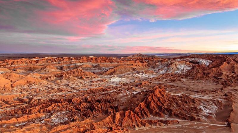 Salah satu destinasi wisata Chili adalah Gurun Atacama yang pemandangannya bagai di Mars.